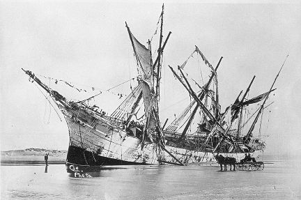 1906 photo in public domain. Shipwreck of the Peter Iredale. Warrenton, OR.